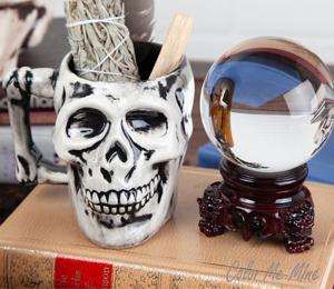 Geneva Antiqued Skull Mug
